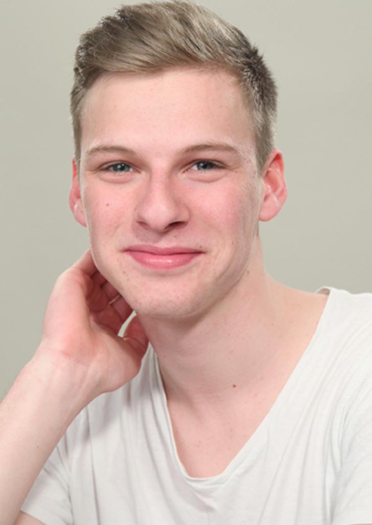 Augen blaue männlich blond schauspieler Warum sehen